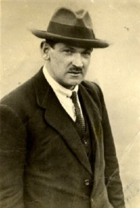 """After the death of Michael Collins ,  Eamon de Valera later said """"It's my considered opinion that in the fullness of tune, history will record the greatness of Collins and it will be recorded at my expense"""""""
