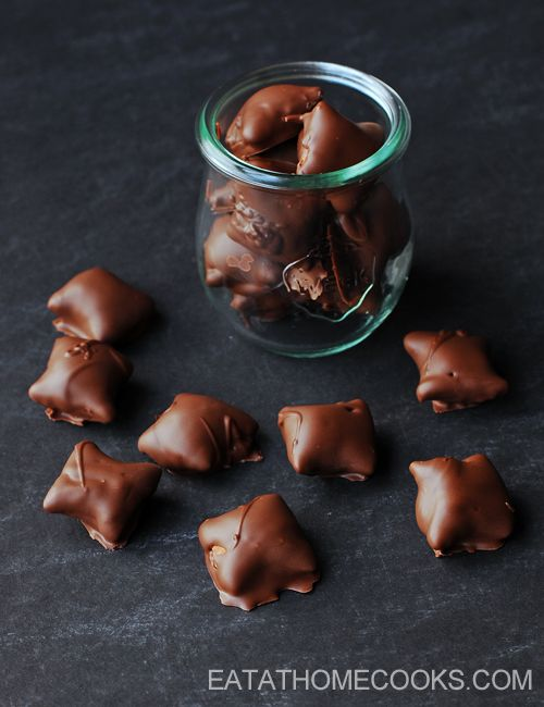 Easy Chocolate Covered Peanut Butter Pretzels