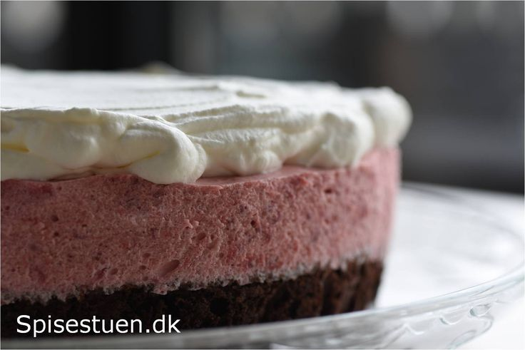 chokoladekage-med-jordbærmousse-1