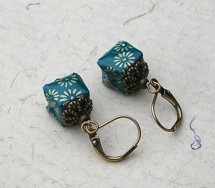 Boucles d'oreilles KIKA origami en papier japonais bijoux origami. Origami jewellery