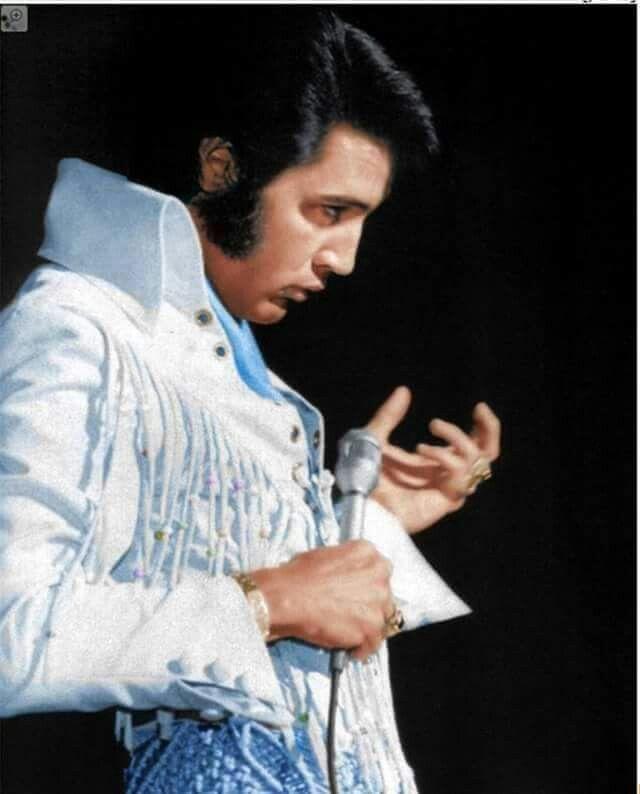 7278 Best Images About Elvis In Concert On Pinterest