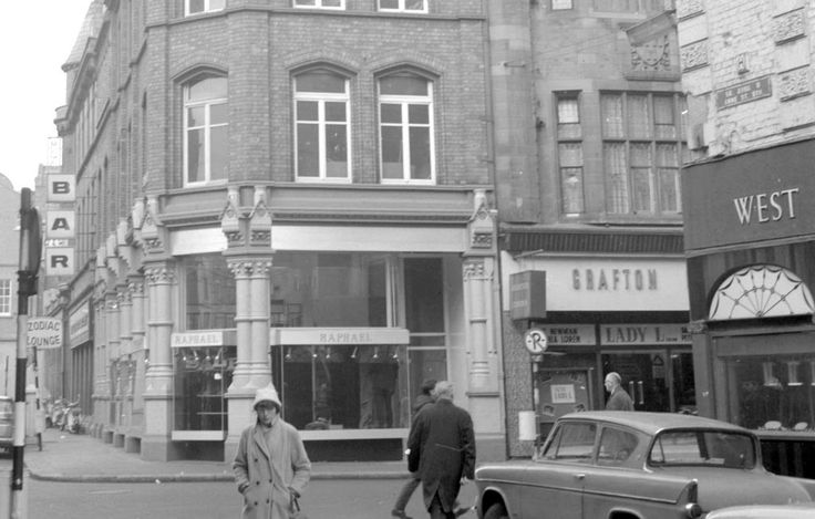 The Grafton Cinema, Grafton Street, February 1969 The Grafton Cinema opened in 1911. It was one of three cinemas that showed Ireland's first all-Irish film 'Oidhche Seanchais' in 1935. The Grafton Cinema closed in December 1973.