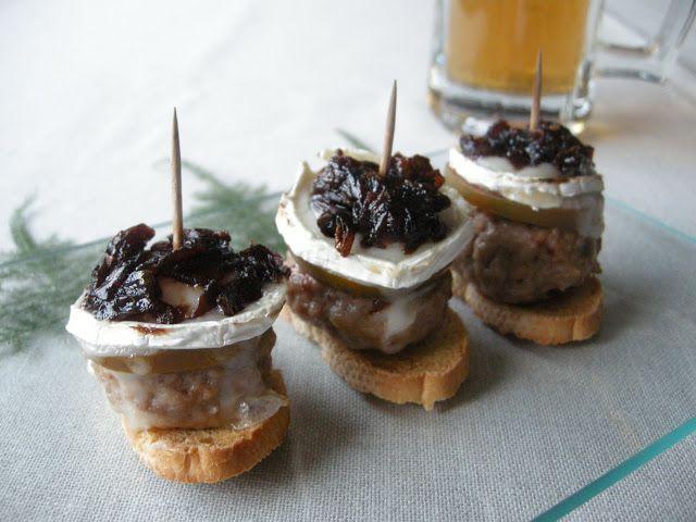 Tía Alia Recetas: Mini burger con queso de cabra y cebolla caramelizada