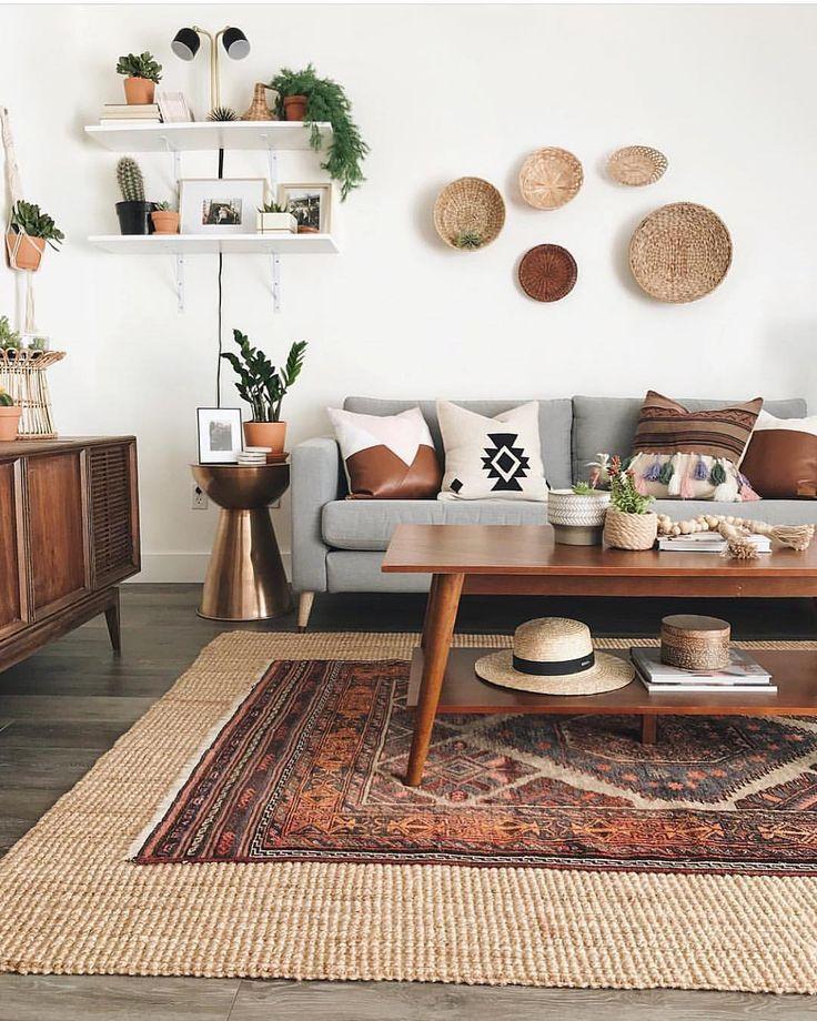 layered rugs   Mid century modern living room design ...
