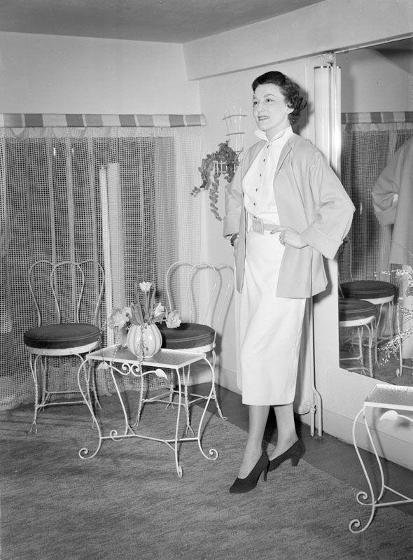 Rosette AB Damkonfektyr visar damkläder, 14 mars 1950