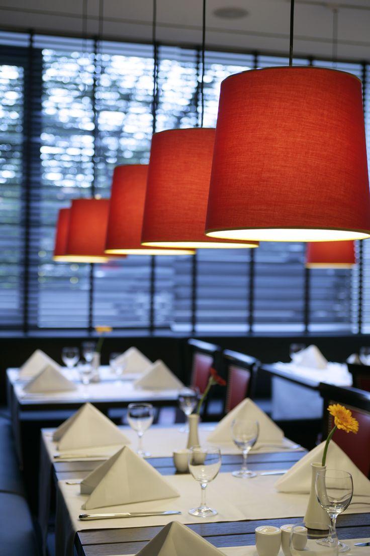 Enjoy a delicious business lunch at the angelo by Vienna House Munich Leuchtenbergring. #Munich #Businesstrip #Businesshotel #Hotelrestaurant #Lunch #Meeting #hotellife #Restaurant #InteriorDesign