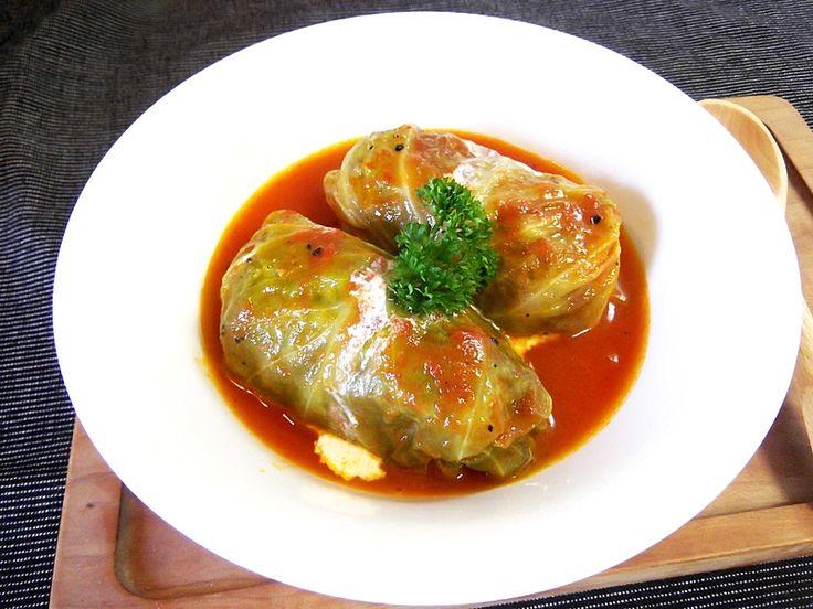 肉汁じゅわっと柔らかいロールキャベツを作ってみませんか?スープはコクをプラスしておいしさアップ!ロールキャベツを我が家の定番料理にしちゃいましょう♡基本の作り方から保存方法、アレンジレシピも必見です。 (3ページ目)