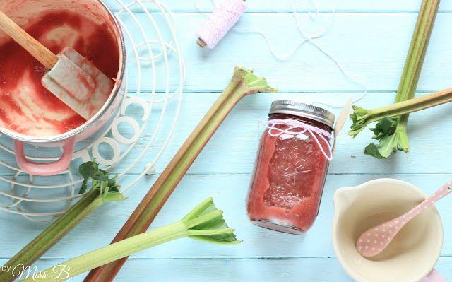 Miss Blueberrymuffin's kitchen: Rhabarberkompott einfach selber kochen!