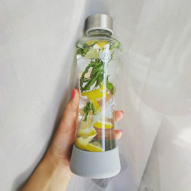 """No water, no life. No blue, no green."" #lemon #peppermint #detox #MyEqua #equabottle #sustainable #hydration #infusewater #detoxrecipe"