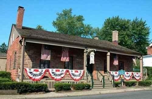El Farol Santa Fe, NM (Est. 1835)By: Matt Meltzer Oldest restaurant in NM