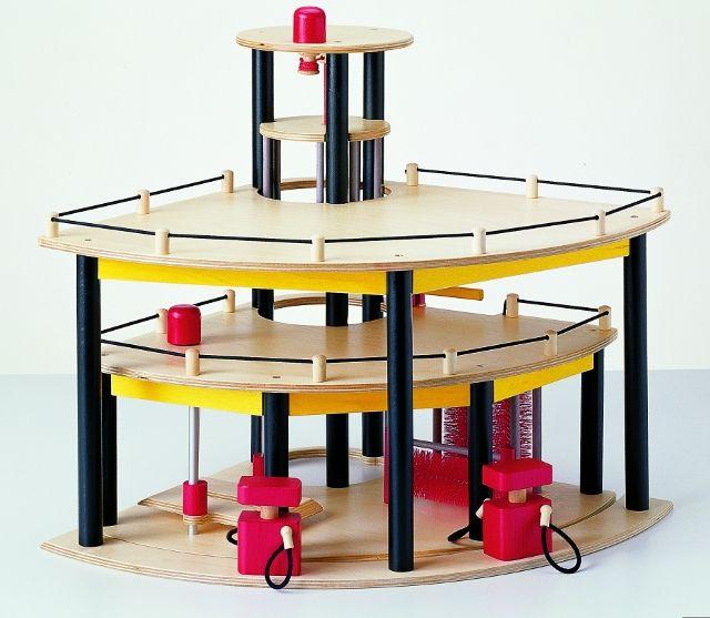 ber ideen zu spielzeug parkhaus auf pinterest kostenlose gutscheine kugelbahn und. Black Bedroom Furniture Sets. Home Design Ideas