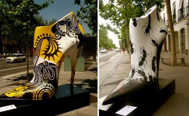 Diversos artistas espanhóis utilizaram técnicas de pintura, grafite e colagem para criar diferentes tipos de sapatos gigantes que foram espalhados pelas ruas de Madrid na exposição Shoe Street Art. A mostra é uma forma de homenagear a indústria local de sapatos e dar espaço para a criação dos artistas locais.via