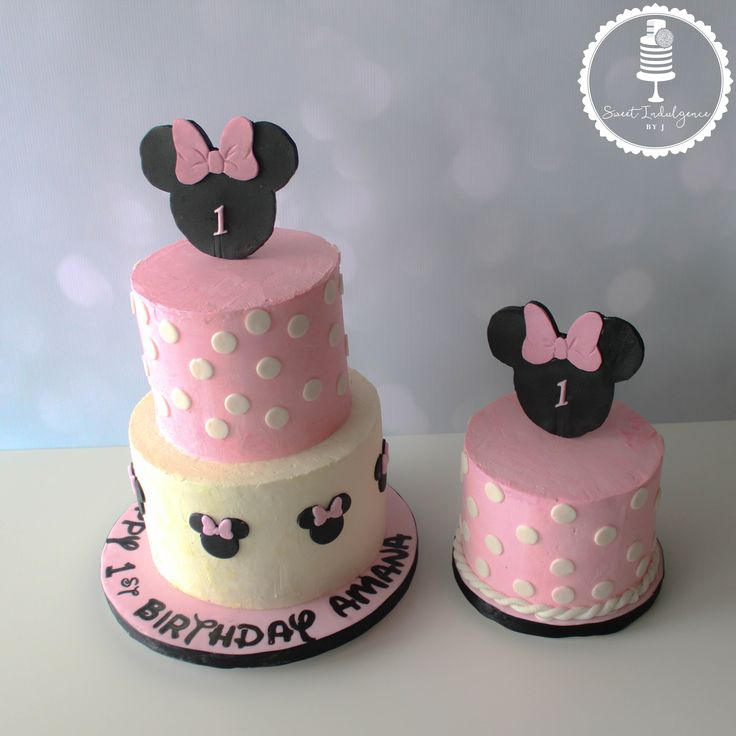 Minnie Mouse themed 1 st birthday cake with matching smash cake