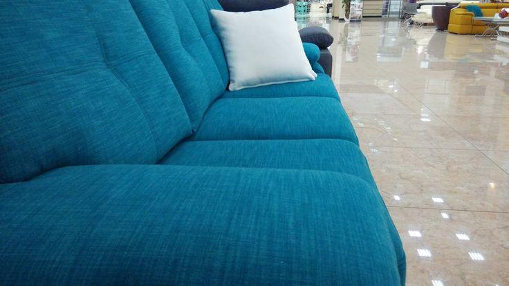 """Когда говорят """"глубина цвета"""", наверное, имеют ввиду VELLO. Новый диван в ткани от Italvelluti Ukraine - """"шерстяной"""" VELLO - однозначно привлекает к себе внимание в ТЦ Sun City, в Харькове. Звоните, если не знаете, где его искать, мы расскажем все и даже больше) +38 094 440 04 49"""