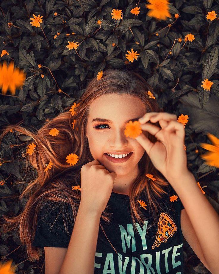 Fotos criativas  Fotos tumblr  Ideias de fotos  Fotos com flores | Fotos de 15 anos, Fotos de ensaio fotografico, Fotos com flor