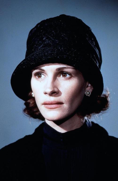 Julia Roberts in Michael Collins directed by Neil Jordan, 1996