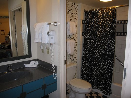 Disney 39 s all star movies resort i love the bathroom decor Disney bathroom ideas