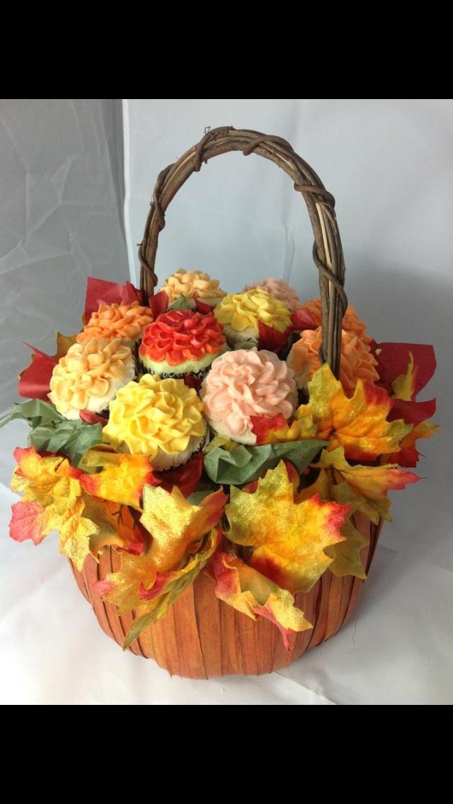 Fall flowered cupcake bouquet. Facebook.com/VentidesignCake