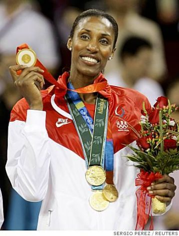How many Gold Medals does Lisa Leslie have?