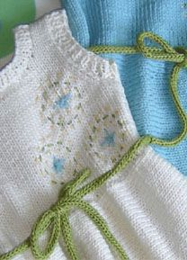 A fresh little baby's dress with a sprinkling of embroidery (instructions included) - maddycraft.com