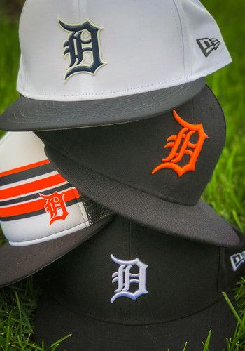 size 40 b677d 6bed1 NEW ERA DETROIT TIGERS NAVY BLUE RALLY STRIPE 9FIFTY MENS SNAPBACK HAT -  Show them how to sport stylish  DetroitTigers fan gear with this  Detroit   Tigers ...