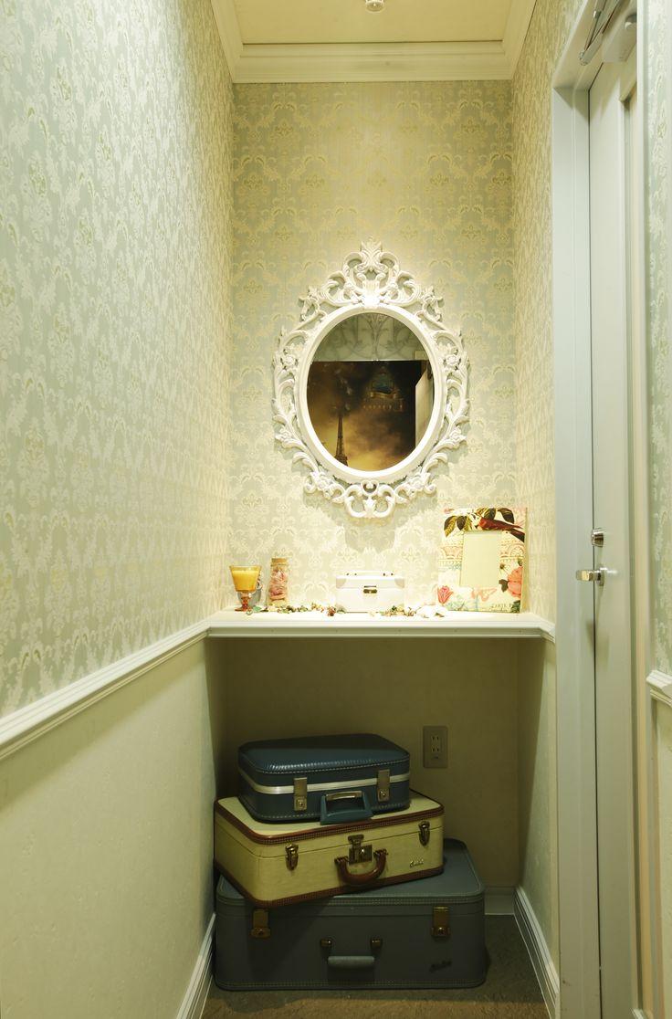 Beauty salon interior design ideas | + space + decor + Tokyo + Japan | Follow us on https://www.facebook.com/TracksGroup <<<【Lond アクセサリー】アンティーク 美容室 内装