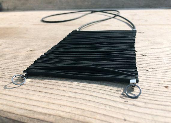 Collana in gomma colore Nero ALTHEA di URBANDi su Etsy