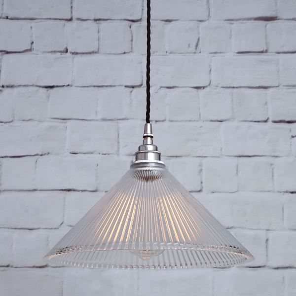 Like a petite jewel hanging from the ceiling the rebell coolie pendant light drips with