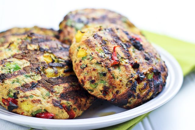 Tropical Chicken Burgers | by Sonia! The Healthy Foodie  http://thehealthyfoodie.com/2012/10/09/the-best-darn-looking-tropical-chicken-burgers-ever/