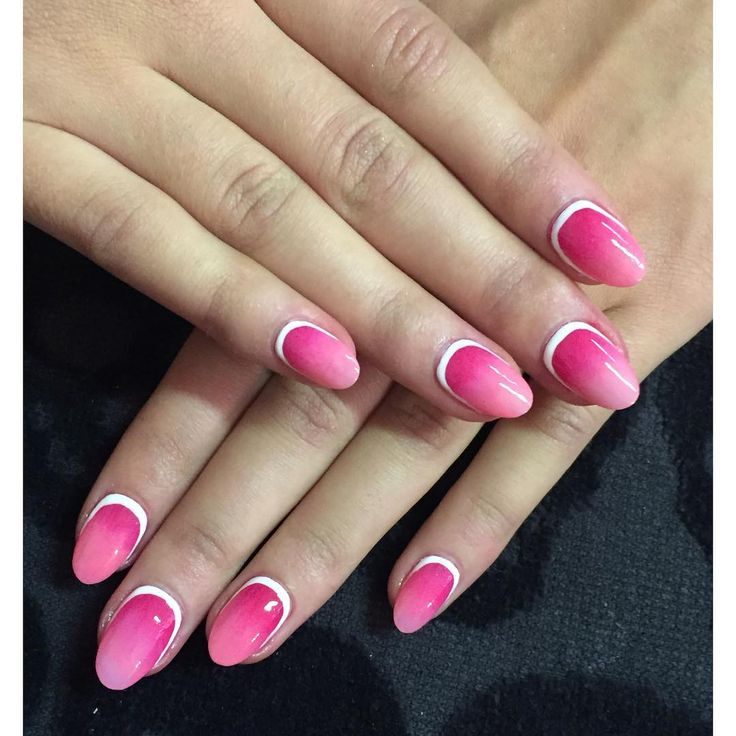 """""""Today I have the pleasure of moving house  and to keep myself sane, I'm just going to think of these lovely nails I did on @alisaforslund last week on…"""""""