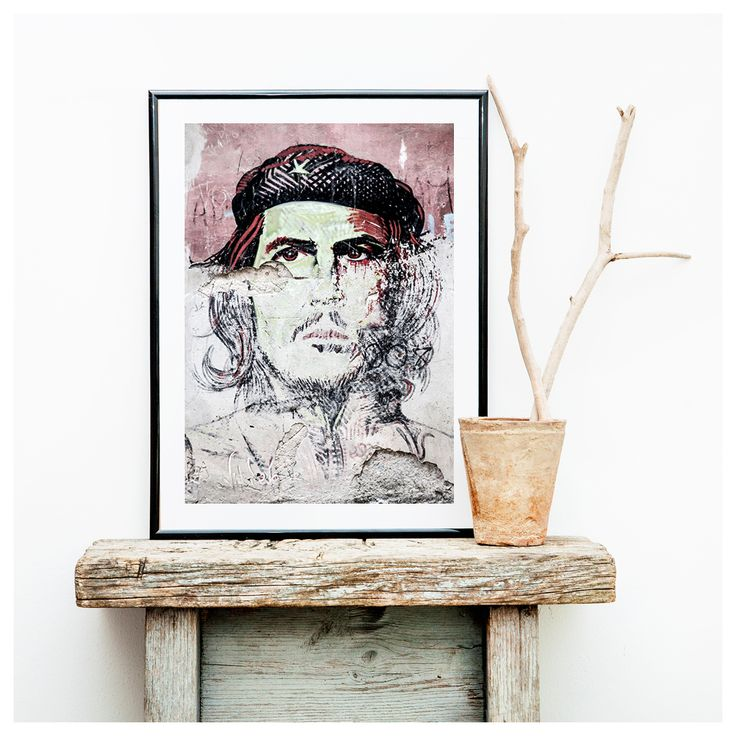 CHE  |  Che Guevara is a popular cultural icon. No matter where you are in Cuba you will find various artistic interpretations of Che Guevara. This piece were found in one of the streets in Old Havana.