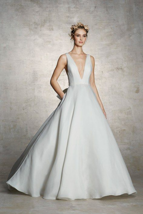 a20bf70746 Our Top 6 Favorite Trends from 2019 Bridal Fashion Week | Bridal Trends 2018/2019  | Marchesa wedding dress, Wedding dress necklines, Wedding dresses