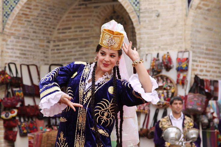 One of the Uzbek national dances.