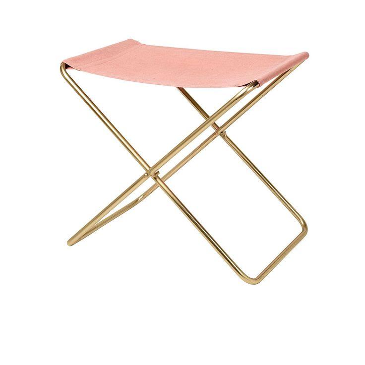 """Tabouret pliable Nola - Rose & Gold - Avec sa silhouette simple, ce tabouret pliable mise sur une forme géométrique en """"X"""" permise par son piètement ainsi qu'un rectangle de tissu comme assise. Léger et fonctionnel, ce petit siège nomade se transporte aisément dans votre intérieur pour se convertir en siège d'appoint en toutes occasions. Coloré et féminin, le tabouret Nola trouve sa place dans votre quotidien !"""