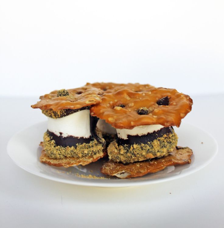 S'mores Pretzel Thin Sandwiches | No Bake Dessert | Little Kitchen, Big Bites