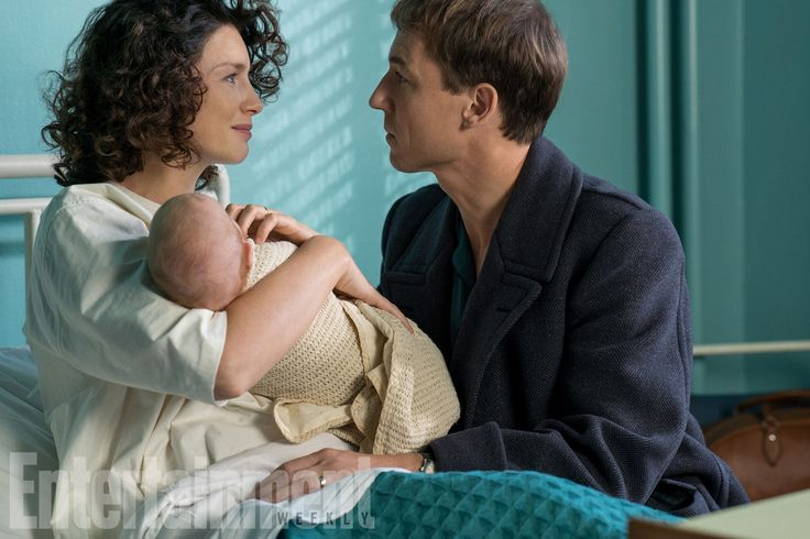 Brianna, meet your 20th-century dad! EW has obtained an exclusive first look at season 3 of Outlander, when Claire (Caitriona Balfe) gives birth to Brianna — her daughter with Jamie (Sam Heughan) —…#Voyager