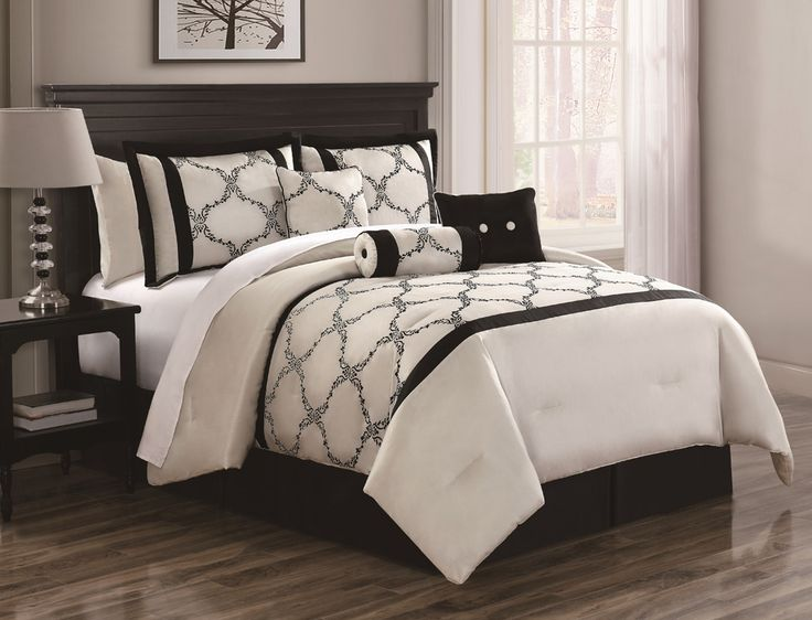 7 Piece Queen Gracie Ivory And Black Comforter Set