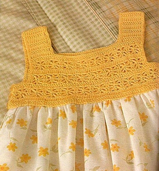 """Magnifique robe bustier jaune pour fille , trouvée sur le site de """" Labores de Esther """" , avec ses grilles gratuites ."""