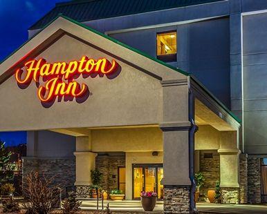 Hampton Inn Castle Rock Hotel, CO - Exterior Evening
