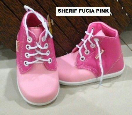 #Sepatu Anak Baby Wang (Sherif fucia pink) ~ 105ribu ~ Size : Ukuran Sol dalam (panjang kaki anak) : No. 3 : Sol 13cm (Umur 1 - 1,5 thn) No. 4 : Sol 13,5cm (Umur 1,5 - 2thn) No. 5 : Sol 14cm (Umur 2 - 2,5 thn) No. 6 : Sol 14,5cm (Umur 2,5 - 3thn)