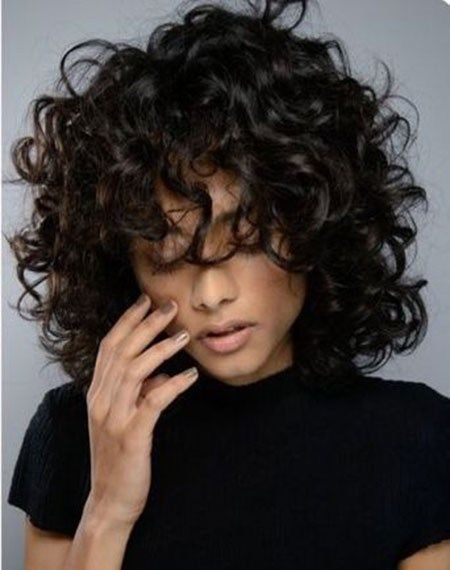 Natural-Curly-Frisur Beliebte Kurze Lockige Frisuren 2018 – 2019