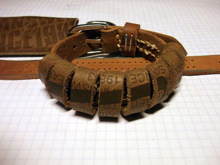браслет из лейбла джинсов