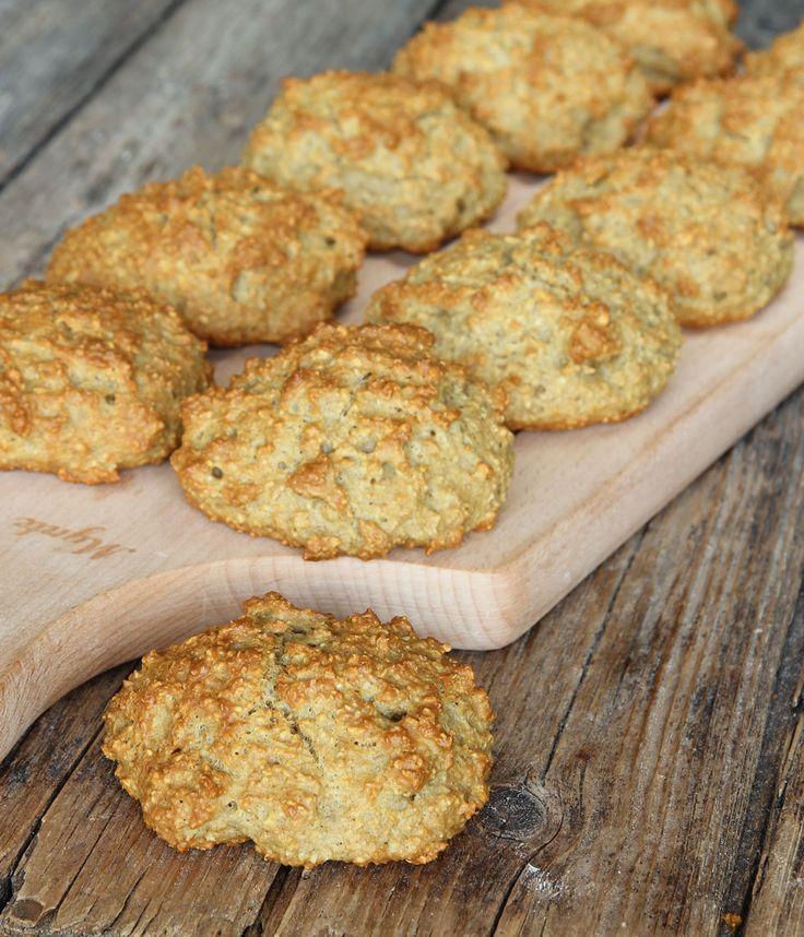 Saftiga, goda frallor bakade helt utan vanligt mjöl – istället innehåller de mixade havregryn.