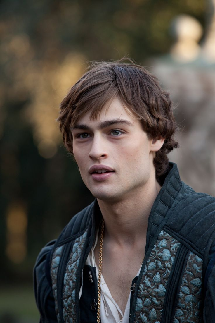 Douglas Booth in Romeo and Juliet (2013) Movie Image