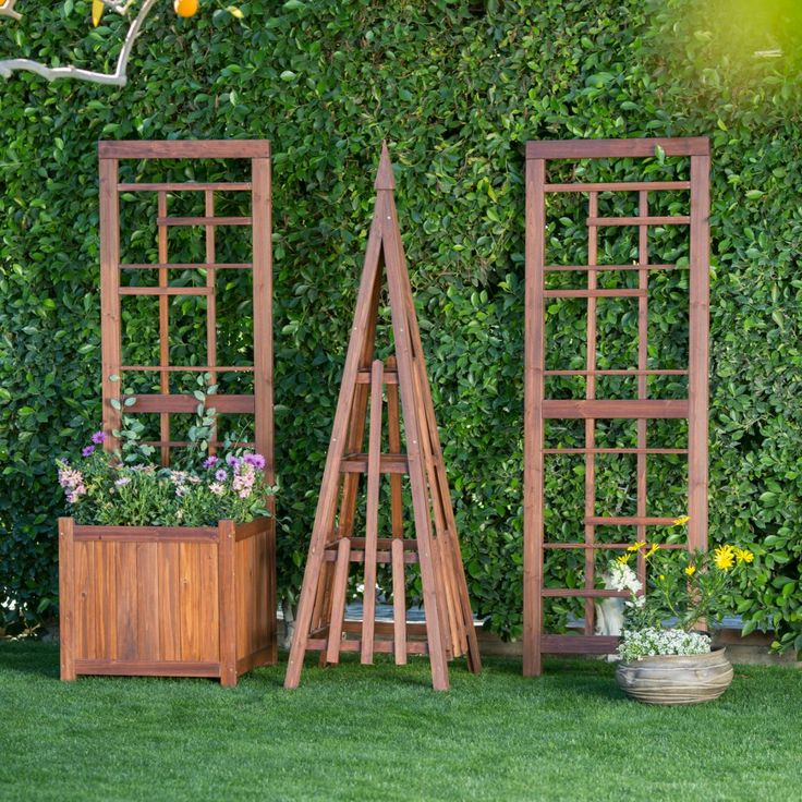 17 best images about hide the ugly outside on pinterest for Craftsman style trellis