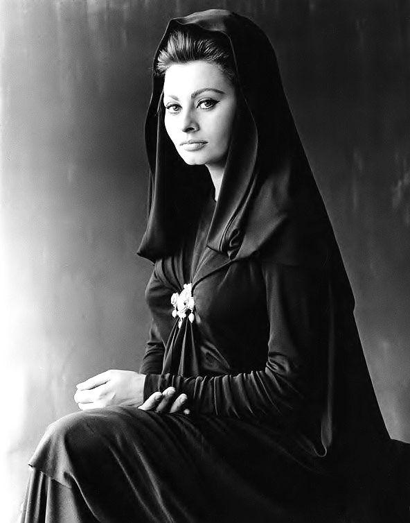 Sophia Loren, publicity portrait for The Fall of the Roman Empire, 1964.