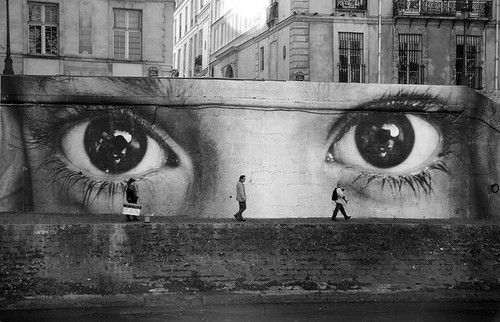 ..Sidewalk Art, Urban Art, Brown Eye Girls, Street Art, Art Installations, Berlin Wall, Big Eye, Eye Art, Streetart
