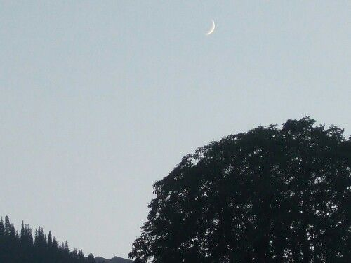 New moon over Old Manali