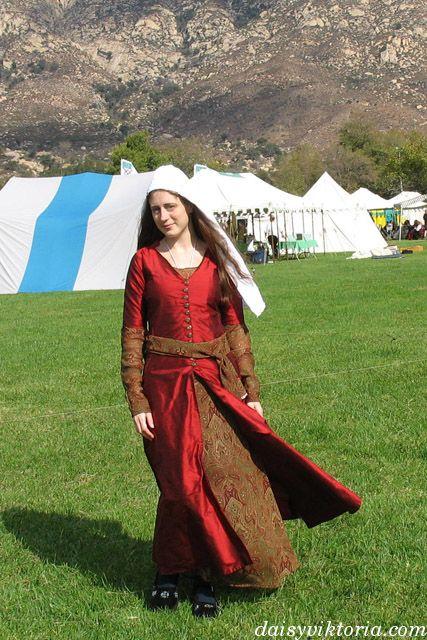 Red Persian Garb - Entari, Underdress, Sash and Veil