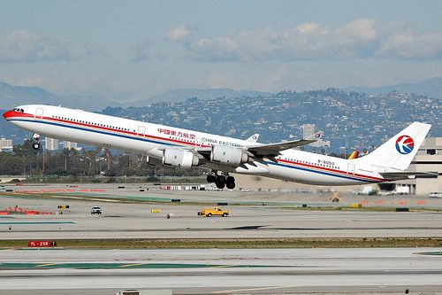 China Eastern Airlines B-6050